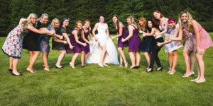 Holky na svadbě cut