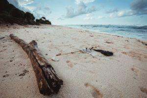 Opuštěná pláž