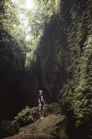 Při cestě na vodopád Tukad Cepung